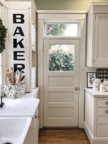 Awesome Christmas Kitchen Decor Ideas 23
