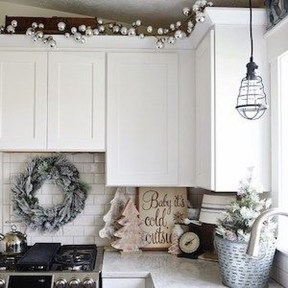 Awesome Christmas Kitchen Decor Ideas 38
