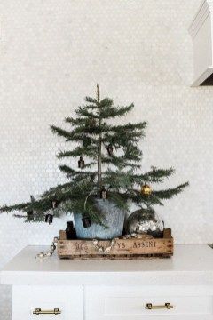 Awesome Scandinavian Christmas Decor Ideas 51
