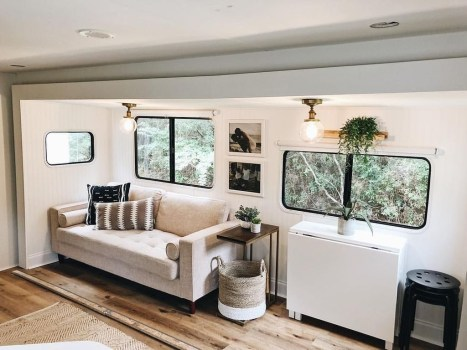 Beautiful Rv Remodel Camper Interior Ideas For Holiday 17