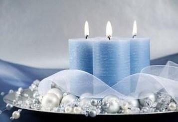 Charming Christmas Candle Decor Ideas 04