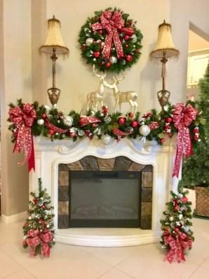 Charming Christmas Candle Decor Ideas 51