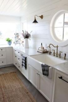 Cute Farmhouse Kitchen Remodel Ideas 25