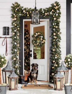 Cute Outdoor Christmas Decor Ideas 02
