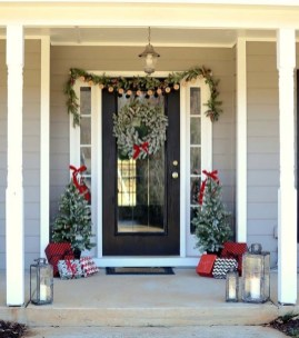 Cute Outdoor Christmas Decor Ideas 49