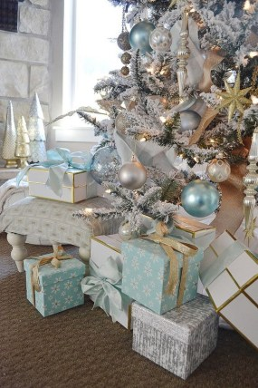 Extraordinary Christmas Tree Decor Ideas 25