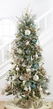 Extraordinary Christmas Tree Decor Ideas 40