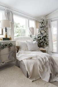 Fascinating Farmhouse Christmas Decor Ideas 03
