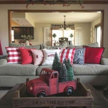 Fascinating Farmhouse Christmas Decor Ideas 06