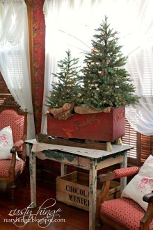 Fascinating Farmhouse Christmas Decor Ideas 20