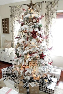 Fascinating Farmhouse Christmas Decor Ideas 42