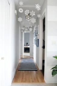 Gorgeous Christmas Apartment Decor Ideas 01