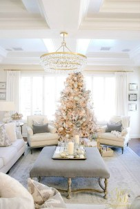 Gorgeous Christmas Apartment Decor Ideas 28