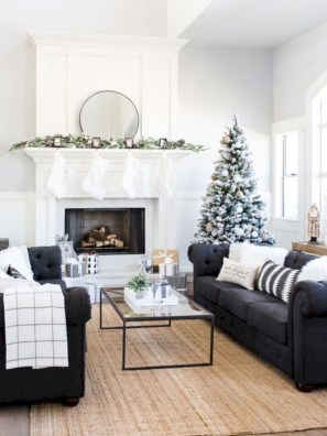 Gorgeous Christmas Apartment Decor Ideas 33