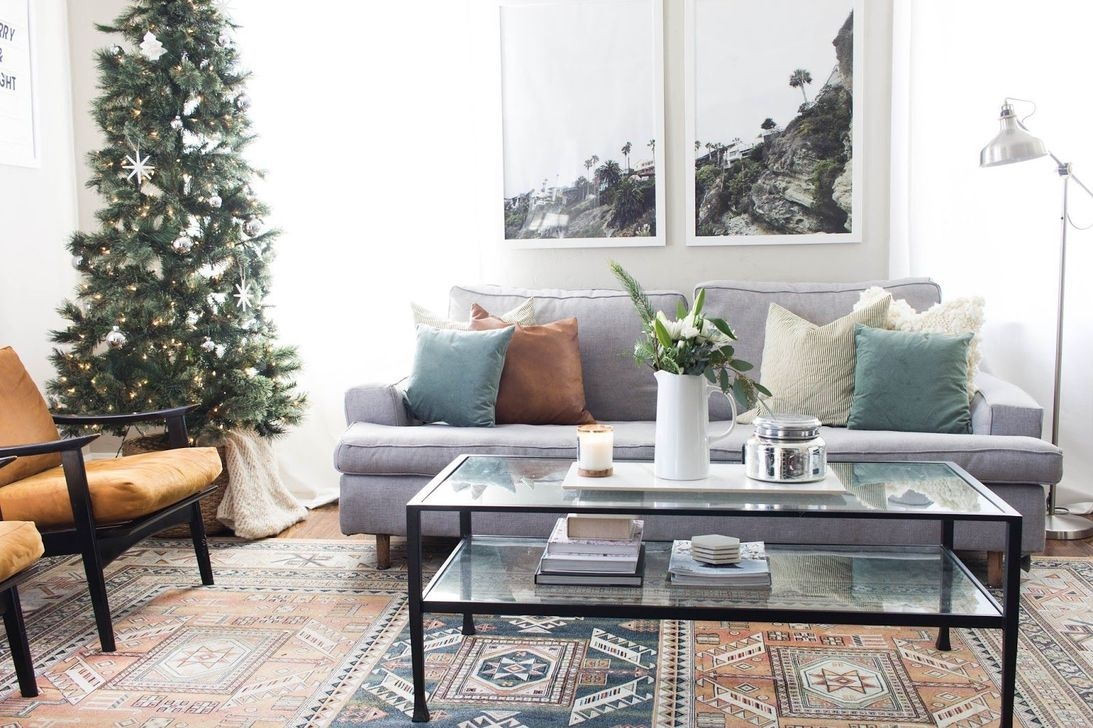 Gorgeous Christmas Apartment Decor Ideas 45