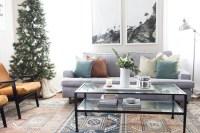 Gorgeous Christmas Apartment Decor Ideas 45