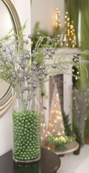 Lovely Red And Green Christmas Home Decor Ideas 24