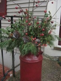 Perfect Christmas Front Porch Decor Ideas 35