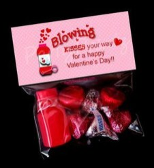 Awesome Classroom Party Decor Ideas For Valentines Day 20