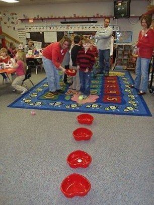Awesome Classroom Party Decor Ideas For Valentines Day 42