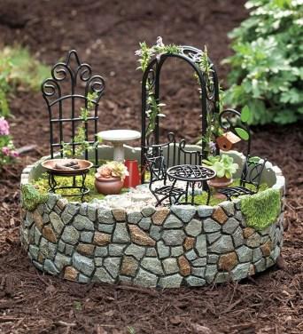 Magnificient Diy Fairy Garden Ideas With Plants 40