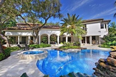 Perfect Mediteranean Swimming Pool Design Ideas 08
