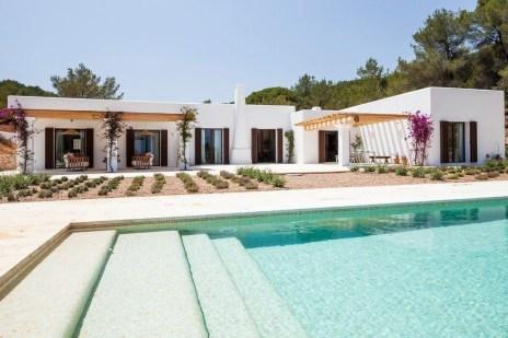 Perfect Mediteranean Swimming Pool Design Ideas 21