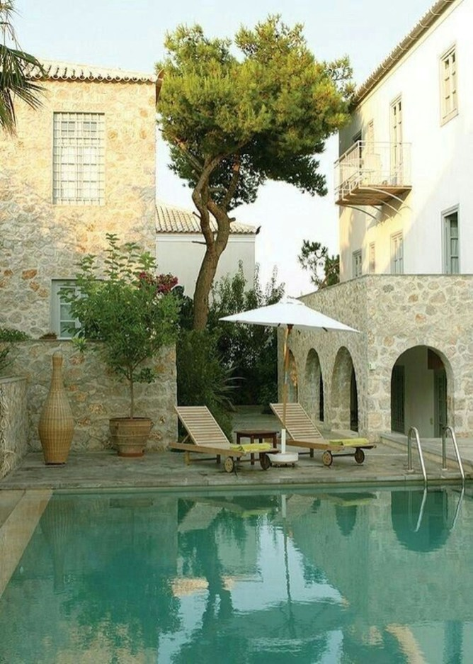 Perfect Mediteranean Swimming Pool Design Ideas 23