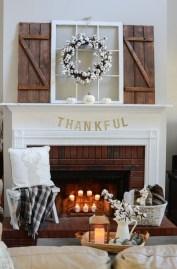 Popular Farmhouse Mantel Decorating Ideas 23