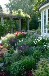 Smart Garden Design Ideas For Front Your House 19