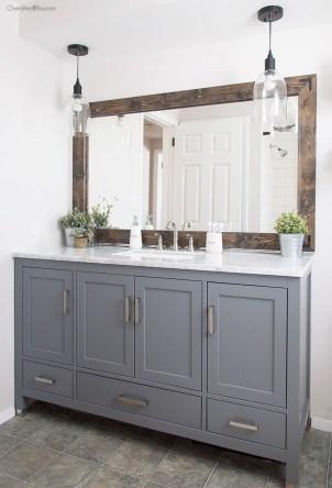 Comfy Farmhouse Wooden Bathroom Design Ideas 37