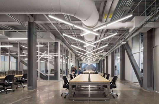 Magnificient Industrial Office Design Ideas 43
