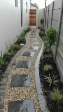 Stunning Small Patio Garden Decorating Ideas 13