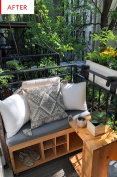 Stunning Small Patio Garden Decorating Ideas 40