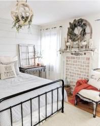 Elegant Farmhouse Decor Ideas For Bedroom 07