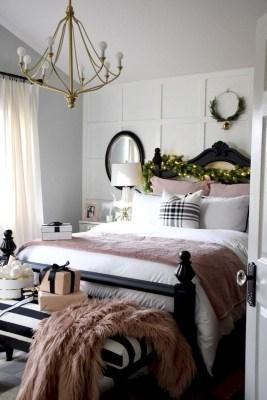 Elegant Farmhouse Decor Ideas For Bedroom 08