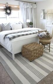Elegant Farmhouse Decor Ideas For Bedroom 24