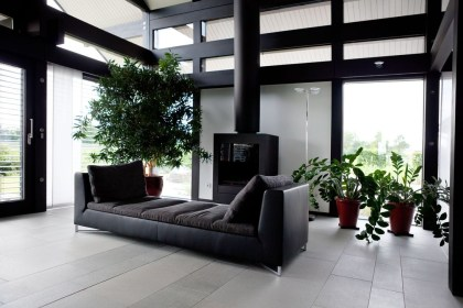 Catchy Living Room Designs Ideas With Bold Black Furniture 03