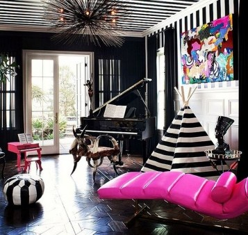 Catchy Living Room Designs Ideas With Bold Black Furniture 07