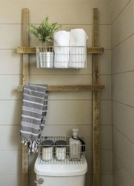 Cozy Small Bathroom Ideas With Wooden Decor 24