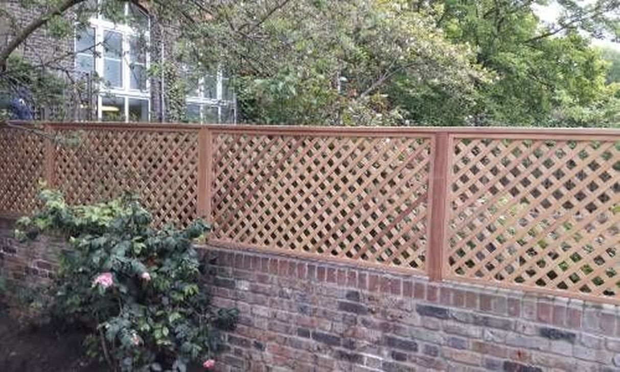 Cute Garden Fences Walls Ideas 46