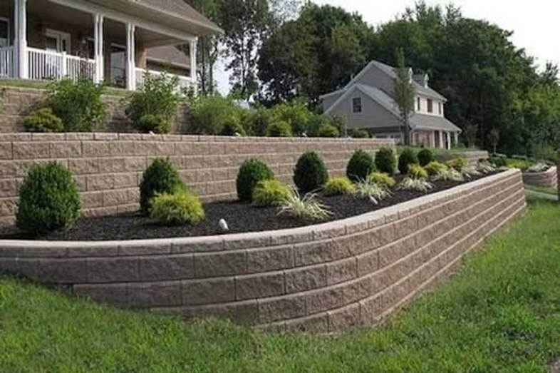 Gorgeous Front Yard Retaining Wall Ideas For Front House 06