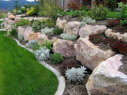 Gorgeous Front Yard Retaining Wall Ideas For Front House 41