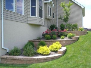 Gorgeous Front Yard Retaining Wall Ideas For Front House 50