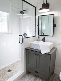 Popular Farmhouse Small Bathroom Decorating Ideas 08