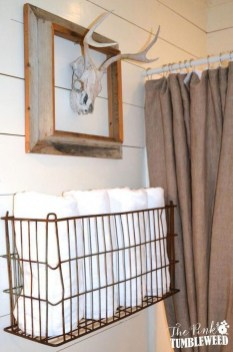 Popular Farmhouse Small Bathroom Decorating Ideas 38