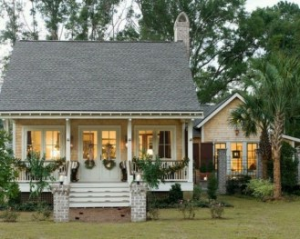 Popular Small Farmhouse Design Ideas To Style Up Your Home 05