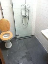 Awesome Bathroom Shower Ideas For Tiny House 22