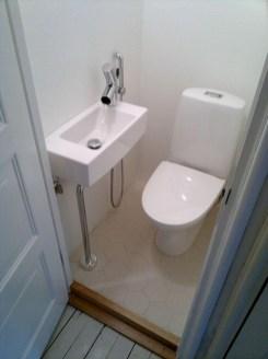 Awesome Bathroom Shower Ideas For Tiny House 39