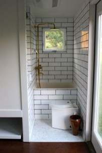 Awesome Bathroom Shower Ideas For Tiny House 58